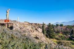 Pompeii, le meilleur site arch?ologique pr?serv? dans le monde, Italie La statue du Daedalus de Mitoraj photo stock