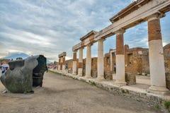 Pompeii ruiny po erupci Vesuvius przy Pompeii, Włochy na Czerwu 01, 2016 Obraz Royalty Free