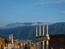 Pompeji-Ruinen ohne Touristen Stockbilder