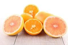 Pompelmo ed arancio fotografia stock libera da diritti