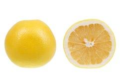 Pompelmo giallo isolato sopra bianco immagini stock libere da diritti