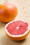 Pompelmo rosso affettato Fotografia Stock