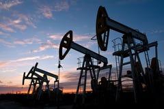 Pompes de pétrole Images stock
