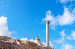 Pompey-` s Säule und alte Sphinx Lizenzfreie Stockfotografie
