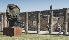 Pompeya, Italia 22 de mayo 2016 Exposición de 30 estatuas a AR Imagenes de archivo