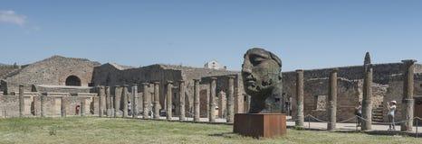 Pompeya, Italia 22 de mayo 2016 Exposición de 30 estatuas a AR Imagen de archivo