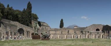 Pompeya, Italia 22 de mayo 2016 Exposición de 30 estatuas a AR Foto de archivo