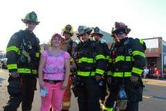 Pompiers de défilé du quatrième juillet Image stock