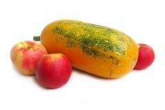 Pompoen en rode appelen Royalty-vrije Stock Foto's