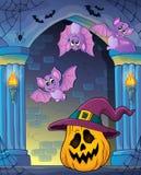 Pompoen in het themabeeld 2 van de heksenhoed Royalty-vrije Stock Foto's