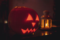 Pompoen op Halloween stock afbeeldingen