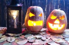 Pompoen voor Halloween op een houten achtergrond Royalty-vrije Stock Foto
