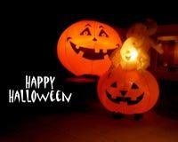 Pompoenen en spoken op Halloween royalty-vrije stock foto's