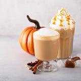 Pompoenkruid latte royalty-vrije stock foto