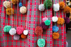 Pompoms coloridos do ofício imagem de stock
