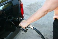 pompuje gazu kobieta Zdjęcie Royalty Free