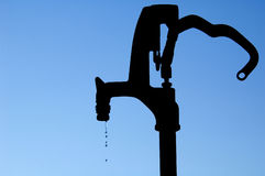 pompuje wodę Fotografia Royalty Free