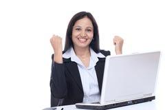 Pomyślna młoda Indiańska biznesowa kobieta Zdjęcia Stock