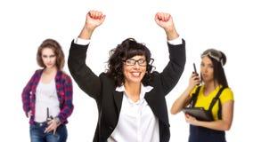 Pomyślna starsza biznesowa kobieta z jej drużyną na tle zdjęcia royalty free