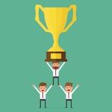 Pomyślny biznes drużyny mienia trofeum Pracy zespołowej pojęcie Zdjęcie Royalty Free