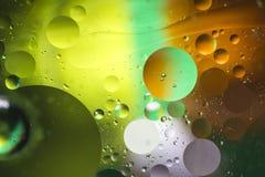 Pomysłowo kolorowy tło z bąblami abstrakcyjny tło obraz royalty free