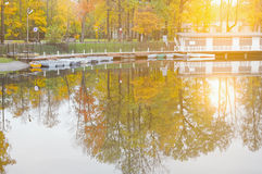 Pond in the autumn city park. Royalty Free Stock Photos
