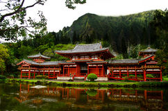 Pond reflection of Byodo-in temple Royalty Free Stock Images