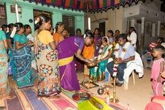 Pondicherry, Tamil Nadu, Índia - 11 de maio de 2014: cerimônia do puja Imagens de Stock