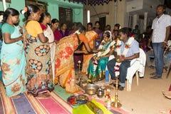 Pondicherry, Tamil Nadu, Inde - 11 mai 2014 : cérémonie de puja Images libres de droits