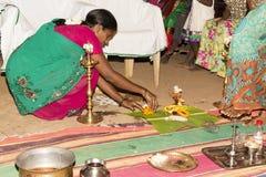 Pondicherry, Tamil Nadu, Indien - 11. Mai 2014: puja Zeremonie Stockfotos