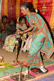 Pondicherry, Tamil Nadu, Indien - 11. Mai 2014: puja Zeremonie Stockfotografie