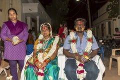 Pondicherry, Tamil Nadu, la India - 11 de mayo de 2014: ceremonia del puja Imagenes de archivo