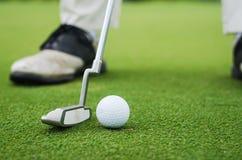 Poner golf Imagen de archivo