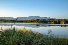 Pong Chor Reservoir en Mae Wang National Park fotos de archivo