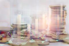 Ponga en un índice el gráfico del análisis financiero del indicador del mercado de acción en el LED Fotografía de archivo libre de regalías