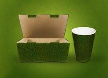 Ponga verde el empaquetado Imágenes de archivo libres de regalías