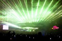 Ponga verde la demostración de la luz laser Imágenes de archivo libres de regalías