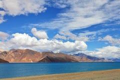Pongong Tso湖、Ladakh、查谟&克什米尔,印度 库存图片