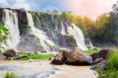 Pongour baja cascada hermosa en la estación de la lluvia, dalat, vietn Fotografía de archivo libre de regalías
