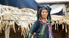 PONGSALI, LAOS - APRILE 2014: villaggio tribale indigeno di Akha Fotografie Stock