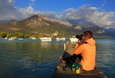 Pontão no lago Annecy, Haute Savoie, França Foto de Stock Royalty Free