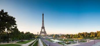Pont亚历山大III &旅馆des Invalides,巴黎 免版税库存照片