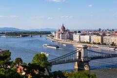 Pont à chaînes et Danube à Budapest Images libres de droits