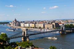 Pont à chaînes et Danube à Budapest Photographie stock libre de droits