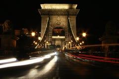 Pont à chaînes et lumière Image stock