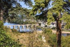 Pont à travers la Loire près de Saumur images libres de droits