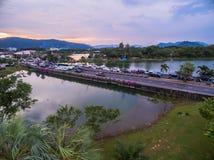 Pont à travers le lac Suan Luang Images libres de droits