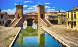 Pont à trois voies de Comacchio, de Tre Ponti ou de Trepponti Ferrare, Emilia Romagna Italy photographie stock libre de droits