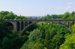 Pont Adolfo en la ciudad de Luxemburgo Fotos de archivo libres de regalías