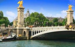 Pont Alexandre III Brücke in Paris Stockfotos